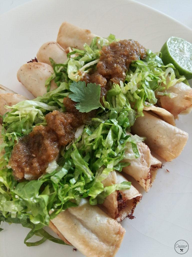 tacos de atún a la mexicana