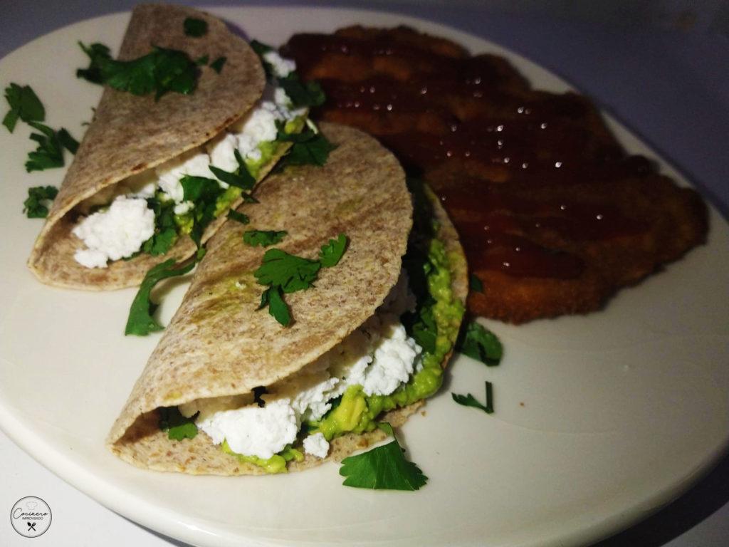 tacos con milanesa de pollo