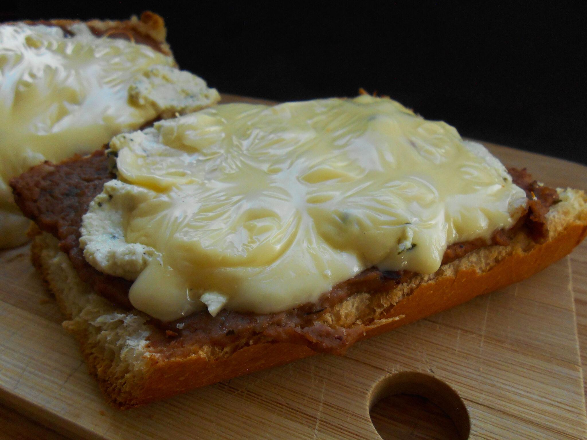 molletes 3 quesos